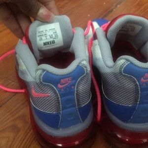 Nike Shoes - Nike AirMax IDs Youth!